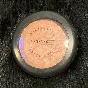 MAC Cosmetics Mineralize Skinfinish Soft & Gentle